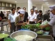 Bếp ăn tập thể: Tăng kiểm soát nguồn gốc thực phẩm