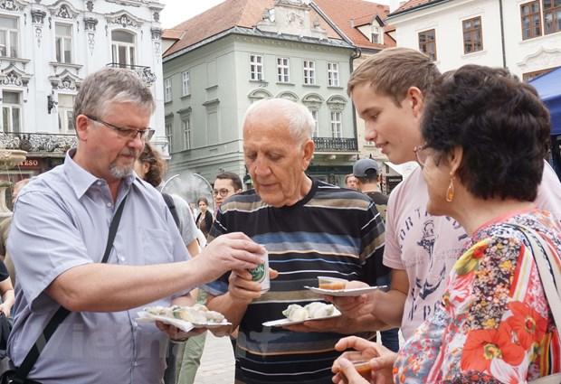 dac sac van hoa viet nam trong le hoi asian weekend 2019 o slovakia