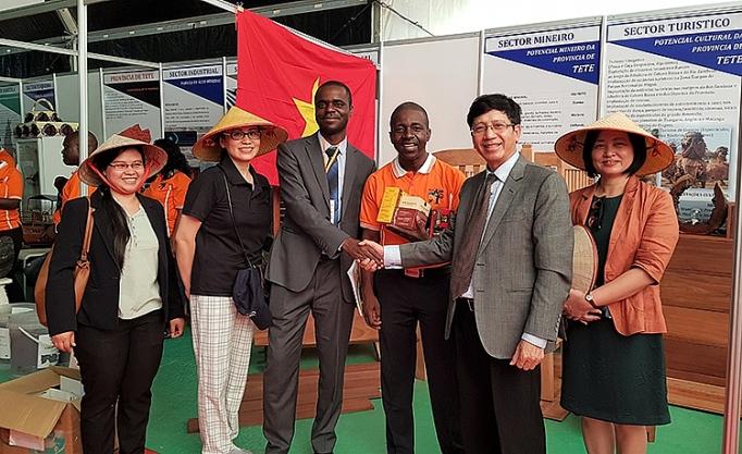 viet nam tham du hoi cho thuong mai quoc te mozambique facim 2019
