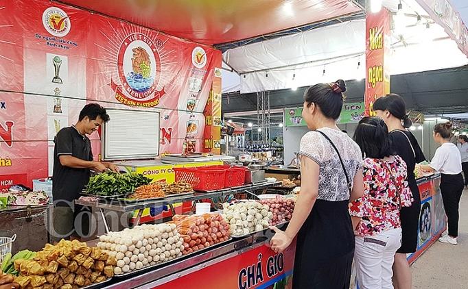 hoi cho thuong mai quoc te nha trang 2019 diem mua sam hap dan trong dip le quoc khanh
