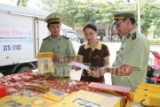 Quản lý thị trường Nghệ An xử phạt gần 200 triệu đồng trong dịp tết Trung thu