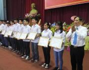 Bảo Việt dành gần 30 tỷ đồng cho thế hệ trẻ dịp khai trường
