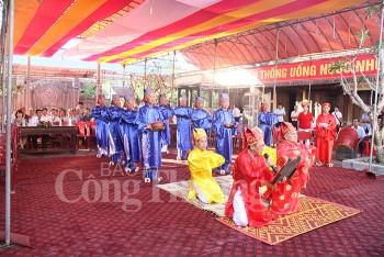 Đúc súng thần công nhân Kỷ niệm 225 năm ngày mất của Hoàng đế Quang Trung