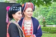Trang phục tinh tế của phụ nữ Dao
