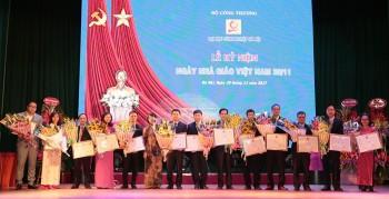 Trường Đại học Công nghiệp Hà Nội tôn vinh các thầy cô giáo
