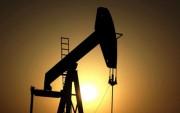 Giá dầu thô phi mã nhờ cam kết cắt giảm sản lượng
