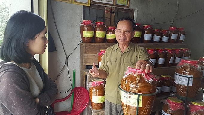 https://congthuong.vn/stores/news_dataimages/minhhang/122018/07/14/in_article/4045_thay_-_Ong_Le_VYn_NghYa_giYi_thiYu_vY_rYYu_cYn_Phu_Tuc.jpg