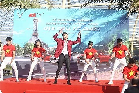 gan 100 xe vinfast khoi dong hanh trinh chinh phuc dia dau to quoc
