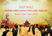 Thủ tướng Nguyễn Xuân Phúc gặp mặt thành viên Chính phủ qua các thời kỳ