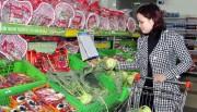 Giá rau xanh, thực phẩm trên thị trường tự do tăng mạnh