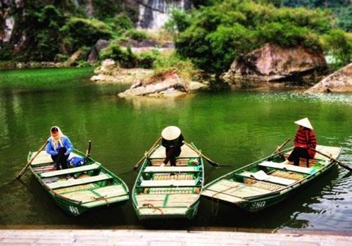 Làng quê Việt Nam lạ lẫm trong mắt sao Hollywood | Văn hóa
