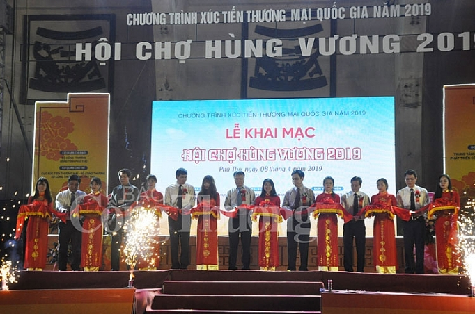 hoi cho hung vuong 2019 day manh van dong dung hang viet