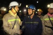 Bí thư Tỉnh ủy Quảng Ninh Nguyễn Văn Đọc thăm thợ mỏ Than Khe Chàm