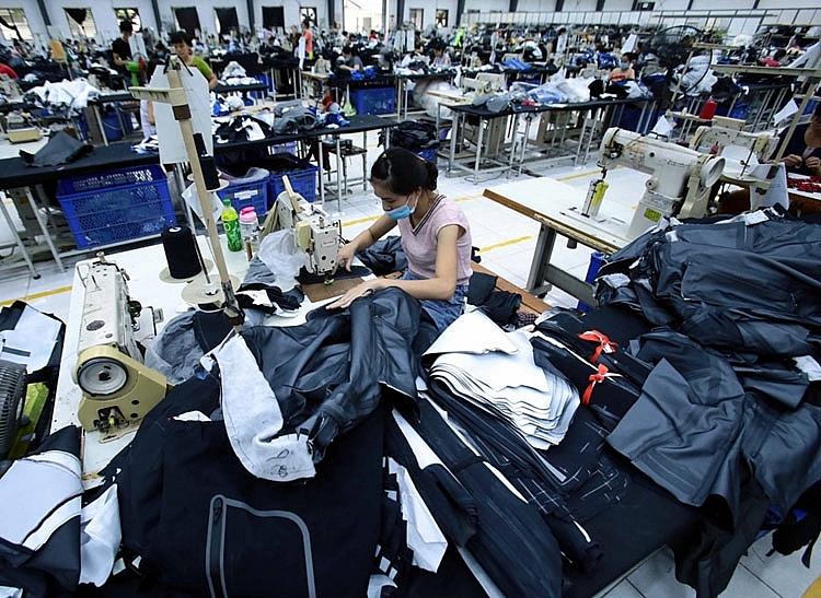 """Chuỗi cung ứng Đông Á """"đứng vững"""" trước làn sóng Covid"""