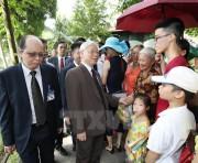 Tổng Bí thư dâng hương tưởng niệm Chủ tịch Hồ Chí Minh