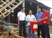 Hội Chữ Thập đỏ Quảng Bình thăm các gia đình bị nạn