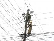 Thừa Thiên Huế khẩn trương khắc phục lưới điện do mưa bão