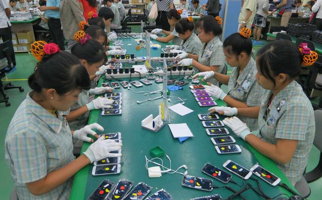 Xuất khẩu điện thoại các loại và linh kiện tăng mạnh trong những tháng đầu năm. Ảnh minh họa