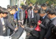 Petrolimex Thái Nguyên triển khai dịch vụ thay dầu hộp số xe máy tại CHXD