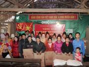 Công ty thủy điện Sơn La trao quà Tết cho đồng bào huyện Mường La