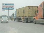 Hải Phòng: Siết chặt kiểm tra các loại xe chở quá tải