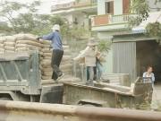 """Cạnh tranh trên thị trường vật liệu xây dựng: Trong 'yên', ngoài chẳng """"ấm"""""""