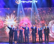 Hanwha Life Việt Nam vinh danh 100 đại diện kinh doanh xuất sắc