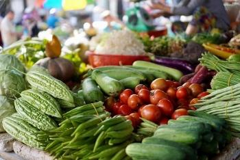 Giá thực phẩm hôm nay 19/2: Giá rau củ, thực phẩm ổn định