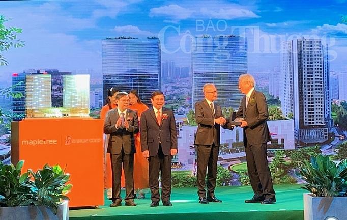 lien doanh viet nam singapore ra mat toa thap doi van phong hang a v plaza