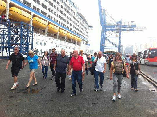 3.000 du khách tàu biển Voyager of the Seas sắp đến Việt Nam