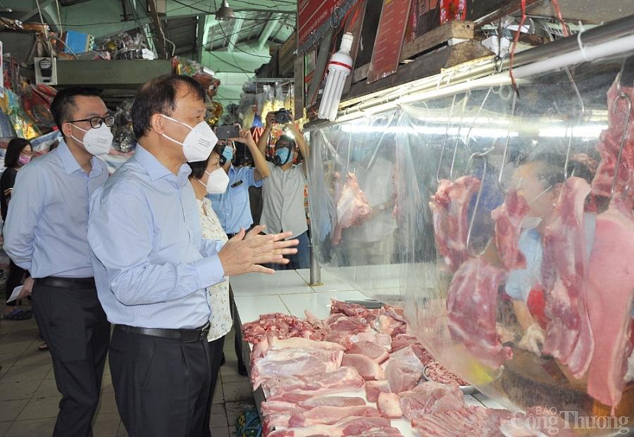 Tổ công tác đặc biệt Bộ Công Thương kiểm tra cung ứng hàng hoá ở các chợ truyền thống