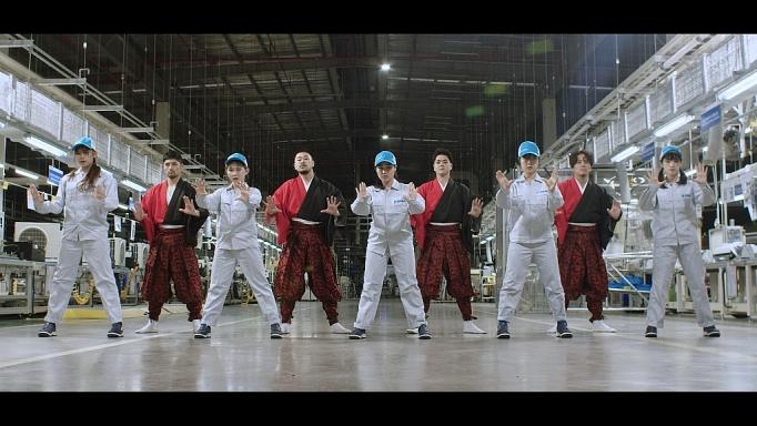 daikin gioi thieu nha may tai viet nam qua dance video dam tinh than nhat ban