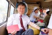 Gần 400 tình nguyện viên Dai-ichi Life Việt Nam tham gia hiến máu