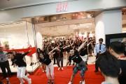 H&M khai trương cửa hiệu thứ ba chào đón Tết