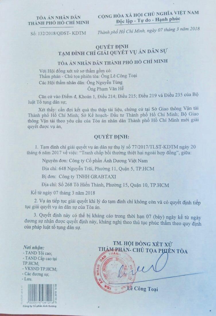 Tòa án nhân dân TP. Hồ Chí Minh tạm đình chỉ vụ tranh chấp giữa Vinasun và Grab