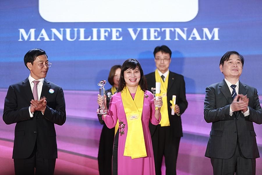 Manulife Việt Nam nhận Giải thưởng Rồng Vàng về chất lượng dịch vụ