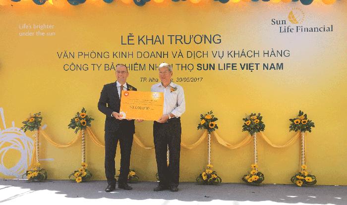 Sun Life Việt Nam khai trương 4 văn phòng kinh doanh và dịch vụ khách hàng mới