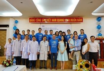 visa va vinacapital foundation trao tang he thong loc nuoc cho benh vien nhi dong 2