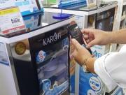 Dùng tem truy xuất nguồn gốc hàng hóa để phân biệt hàng giả