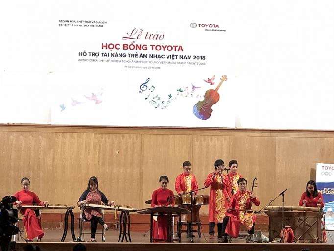 toyota trao 85 suat hoc bong cho tai nang tre am nhac viet nam 2018