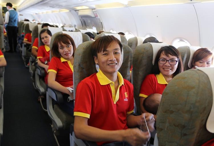 2000 ve xe may bay mien phi cho lao dong xuat sac ve an tet 2020