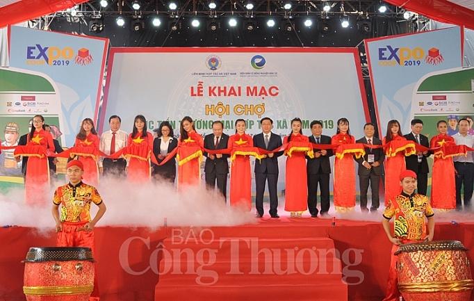 gan 400 hop tac xa tham gia hoi cho xuc tien thuong mai hop tac xa 2019