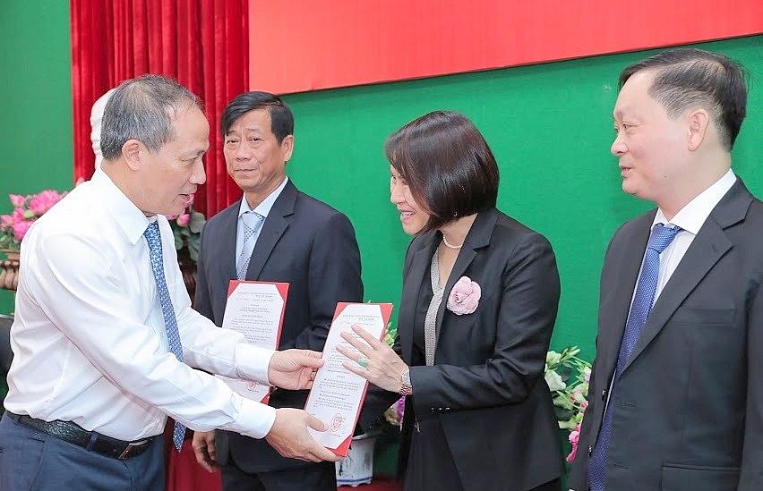 Bổ nhiệm 3 Phó hiệu trưởng trường Đại học Công nghiệp TP. Hồ Chí Minh