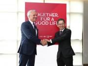 AIA Việt Nam và HSBC Việt Nam hợp tác phân phối bảo hiểm nhân thọ qua ngân hàng