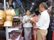 """Khai mạc """"Tuần lễ sản phẩm doanh nghiệp Lào tại TP. Hồ Chí Minh"""""""