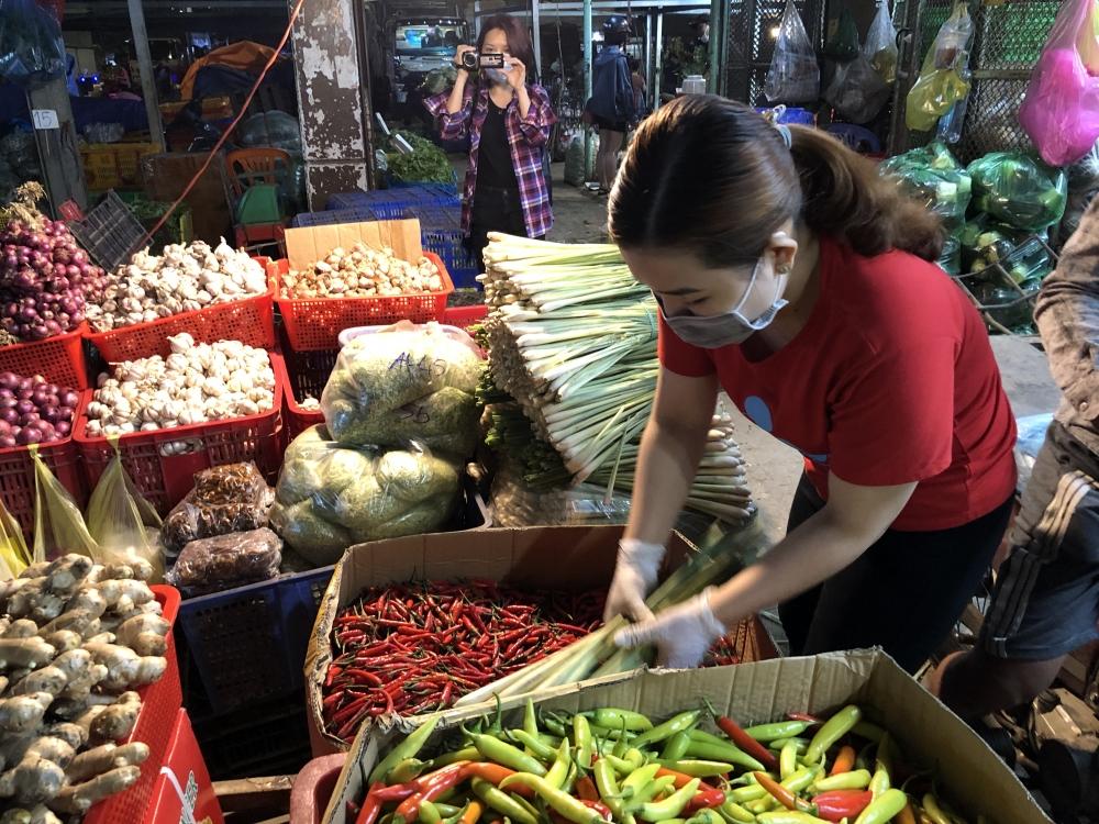 Giá thực phẩm hôm nay 3/3: Giá rau củ có xu hướng giảm nhẹ