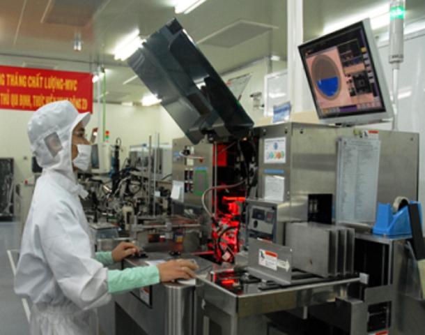 Đào tạo nguồn nhân lực chất lượng cao phục vụ sản xuất công nghiệp