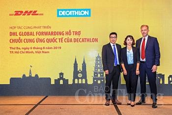 dhl global forwarding va decathlon hop tac phat trien chuoi cung ung
