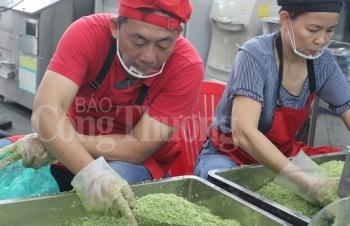 can canh goi banh chung bang may tai sai gon