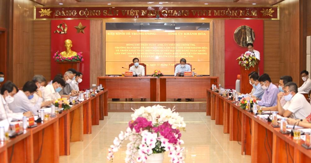 Khánh Hòa cần phấn đấu là trung tâm kinh tế động lực của vùng
